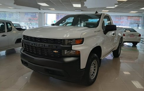 Pongo a la venta cuanto antes posible un Chevrolet Silverado en excelente condicción
