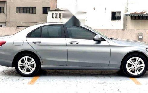Quiero vender urgentemente mi auto Mercedes-Benz Clase C 2017 muy bien estado