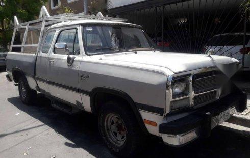 Vendo un Dodge Pick Up en exelente estado