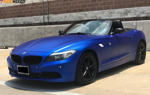 BMW Z4 Hatchback Personalizado en Color Azul Mate
