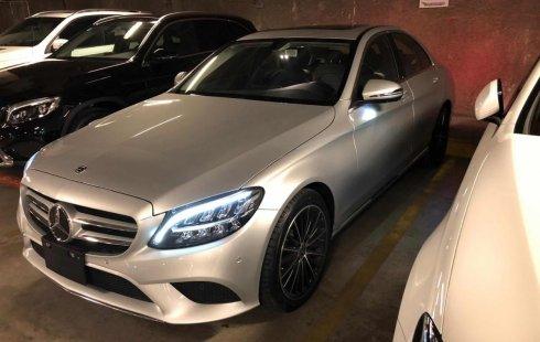 Vendo un carro Mercedes-Benz Clase C 2019 excelente, llámama para verlo