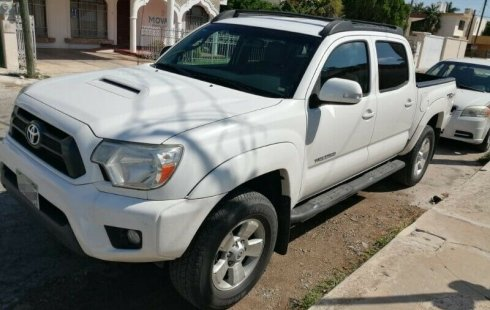 Urge!! Un excelente Toyota Tacoma 2015 Automático vendido a un precio increíblemente barato en Yucatán
