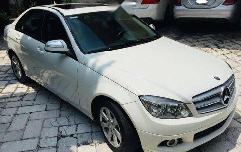 Quiero vender urgentemente mi auto Mercedes-Benz Clase C 2009 muy bien estado