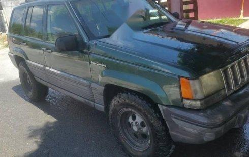 Un excelente Jeep Grand Cherokee 1994 está en la venta