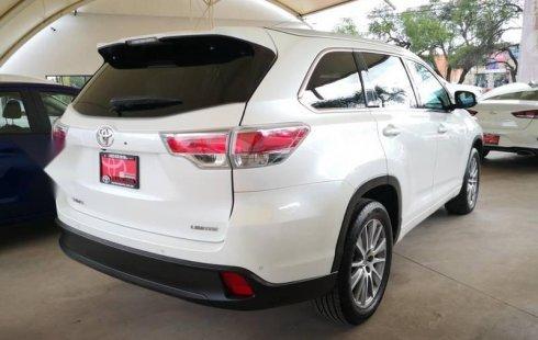 Precio de Toyota Highlander 2015