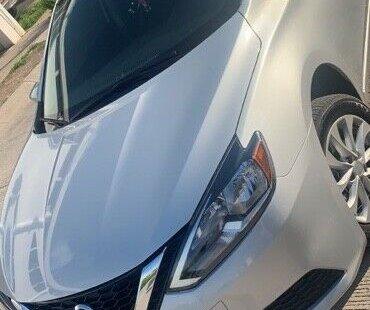 En venta carro Nissan Sentra 2018 en excelente estado