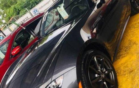 Quiero vender un Mazda MX-5 en buena condicción