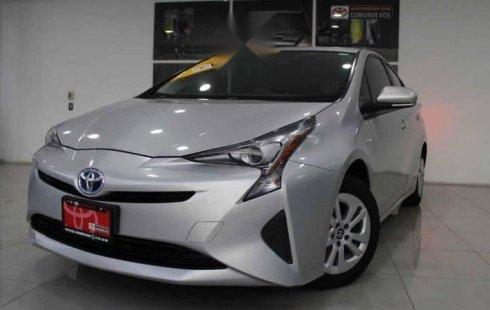 Vendo un carro Toyota Prius 2016 excelente, llámama para verlo