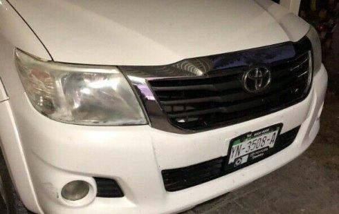 Se vende un Toyota Hilux 2012 por cuestiones económicas