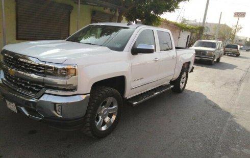 Urge!! Vendo excelente Chevrolet Cheyenne 2015 Automático en en Monterrey