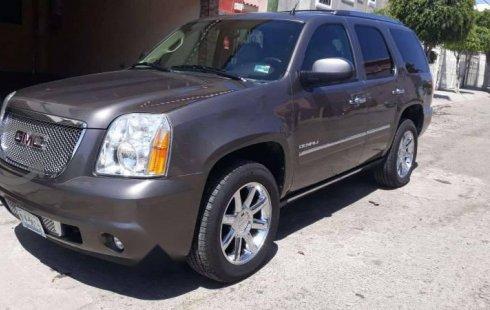 Quiero vender cuanto antes posible un Chevrolet Yukon 2012