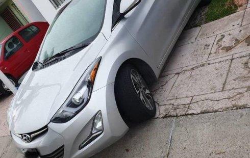 Un carro Hyundai Elantra 2016 en Guadalajara