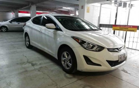 Se vende un Hyundai Elantra 2015 por cuestiones económicas