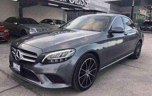 Se pone en venta un Mercedes-Benz Clase C 200