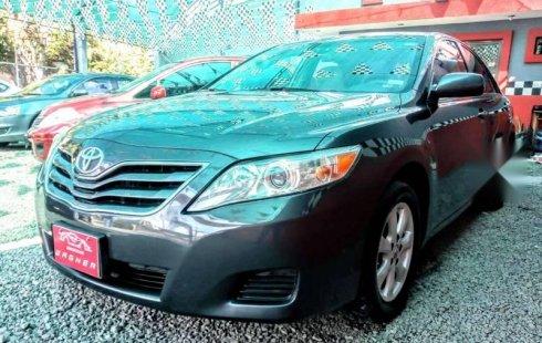 Quiero vender cuanto antes posible un Toyota Camry 2010