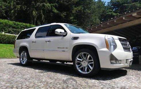 Pongo a la venta un Cadillac Escalade en excelente condicción