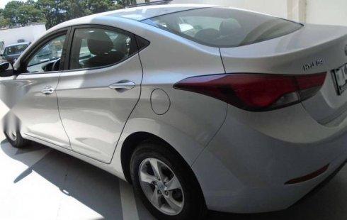 En venta un Hyundai Elantra 2016 Automático muy bien cuidado