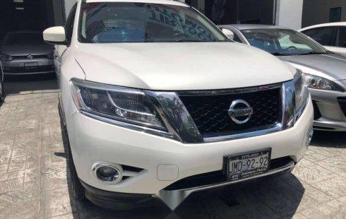Se vende un Nissan Pathfinder 2013 por cuestiones económicas