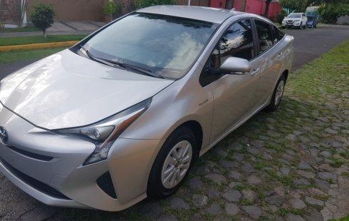 Coche impecable Toyota Prius con precio asequible