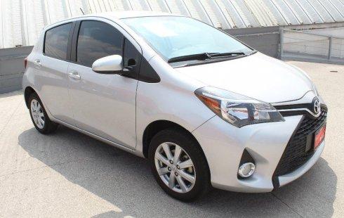 Pongo a la venta cuanto antes posible un Toyota Yaris que tiene todos los documentos necesarios