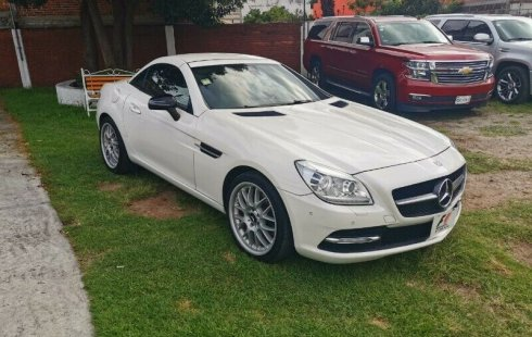 Quiero vender urgentemente mi auto MERCEDES-BENZ SLK 200 2012 muy bien estado