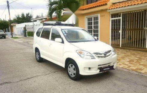 Se vende un Toyota Avanza 2008 por cuestiones económicas