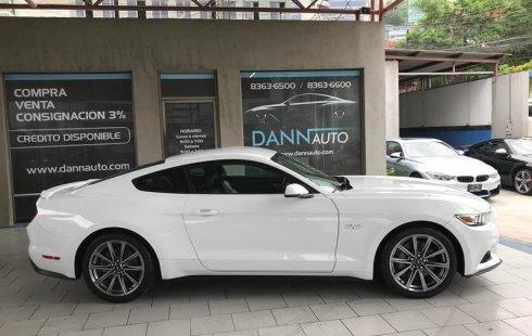 Pongo a la venta un Ford Mustang en excelente condicción