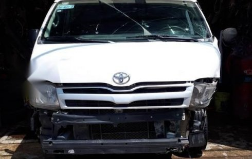 Quiero vender cuanto antes posible un Toyota Hiace 2011