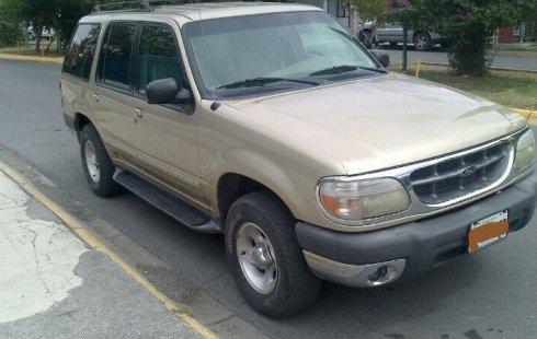 Carro Ford Explorer 1999 en buen estadode único propietario en excelente estado