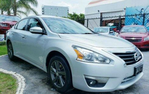Se vende un Nissan Altima de segunda mano