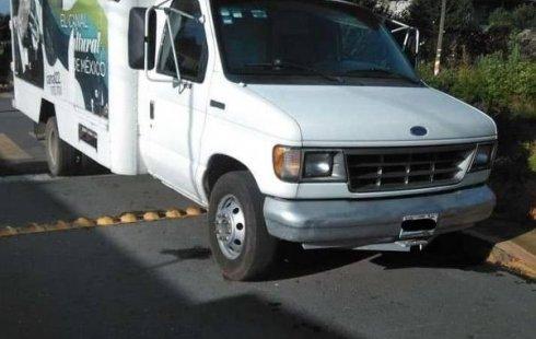 Carro Ford Econoline 1994 en buen estadode único propietario en excelente estado
