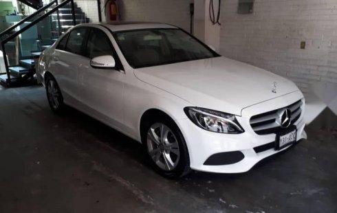 Quiero vender urgentemente mi auto Mercedes-Benz Clase C 2015 muy bien estado