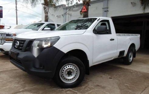 Nissan NP300 impecable en Tepatitlán de Morelos más barato imposible