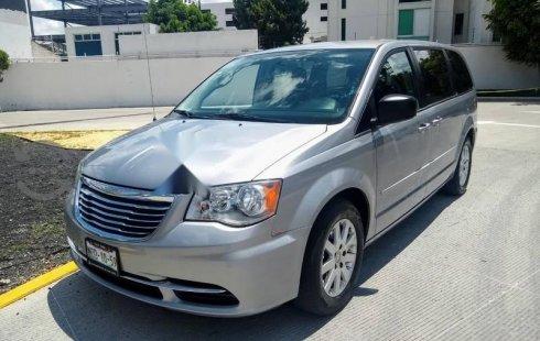 Quiero vender un Chrysler Town & Country en buena condicción
