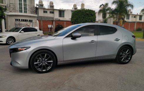 En venta carro Mazda 3 2019 en excelente estado