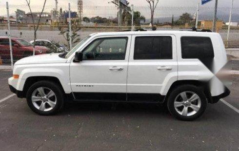 Quiero vender inmediatamente mi auto Jeep Patriot 2013