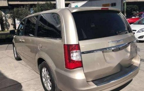 Chrysler Town & Country impecable en Iztacalco más barato imposible