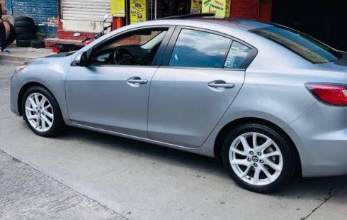 Pongo a la venta cuanto antes posible un Mazda 3 en excelente condicción a un precio increíblemente barato