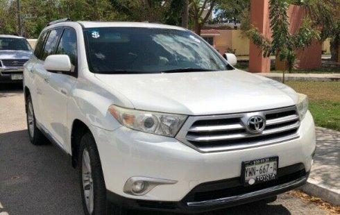Toyota Highlander impecable en Mérida
