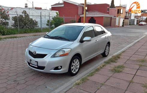 Toyota yaris 2010 standar 86,000 kms  factura de toyota dos dueños Super Precio