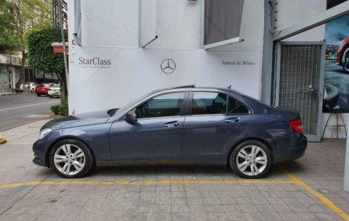 Se vende un Mercedes-Benz Clase C 2013 por cuestiones económicas