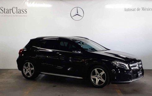 Quiero vender urgentemente mi auto Mercedes-Benz Clase GLA 2015 muy bien estado