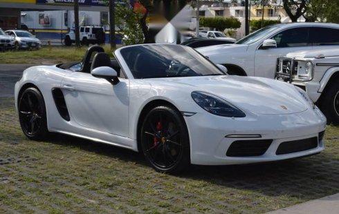 Vendo un carro Porsche 718 2018 excelente, llámama para verlo