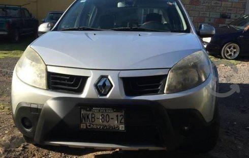 Carro Renault Sandero 2011 en buen estadode único propietario en excelente estado