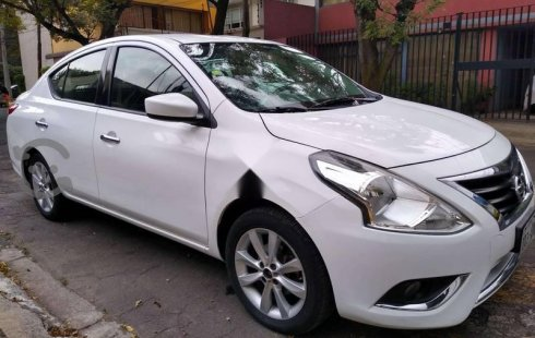Vendo un Nissan Versa impecable