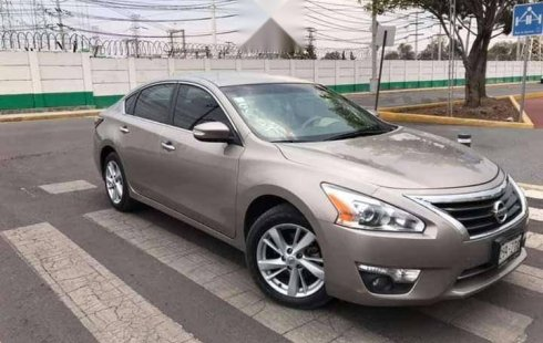 Vendo un Nissan Altima impecable