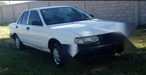 Quiero vender inmediatamente mi auto Nissan Tsuru 2000