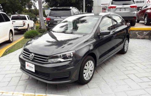 Un carro Volkswagen Vento 2018 en Zapopan