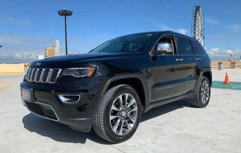 En venta carro Jeep Grand Cherokee 2018 en excelente estado