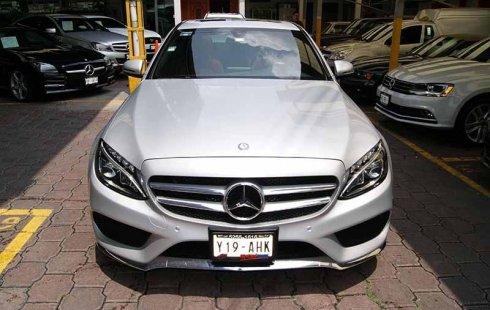 Tengo que vender mi querido Mercedes-Benz Clase C 2016